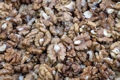 Un bon nombre de noix écossées Fond de nourriture Plan rapproché Foyer sélectif images libres de droits