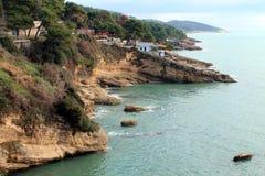 Un bord de mer adriatique (Monténégro, hiver) Photographie stock libre de droits