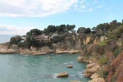 Un bord de mer adriatique (Monténégro, hiver) Photos stock