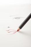 Un bosquejo del maquillaje, con una boca roja del lápiz del labio Imágenes de archivo libres de regalías