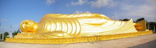 Un Bouddha étendu Image stock