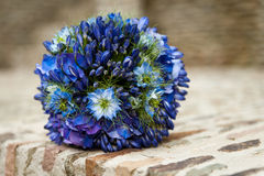 Un bouquet bleu de mariage Photo stock