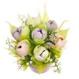 Un bouquet des fleurs de papier avec un papillon Photo stock