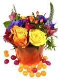 Un bouquet lumineux d'isolement avec les roses jaunes Photo stock