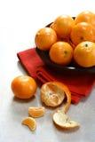 Un bowlful de naranjas de la satsuma Imagen de archivo libre de regalías