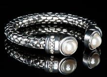 Un bracelet précieux Photos stock