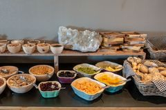 Un buffet de petit déjeuner photographie stock