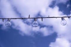 Un bulblight nel bello cielo Fotografia Stock