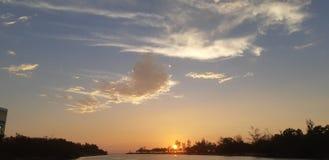 Un bulevar de la puesta del sol fotografía de archivo