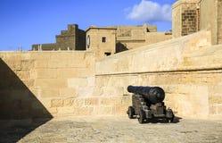 Un cañón de la ciudadela antigua en Gozo fotos de archivo libres de regalías