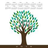 Un calendrier 2018 avec un arbre abstrait stylisé Photos libres de droits