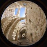 Un callejón en la ciudad vieja en Jerusalén. Fotografía de archivo libre de regalías