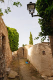 Un callejón típico en Ibiza Imagen de archivo