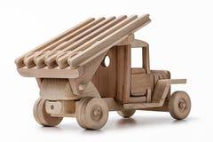 Un camión militar de madera miniatura en el estudio Fotos de archivo