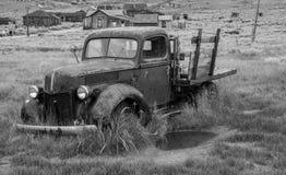 Un camión viejo en Bodie, California imagen de archivo