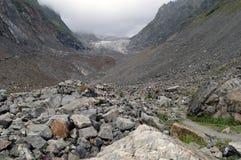 Un camino al glaciar fotos de archivo