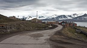 Un camino a Barentsburg Imagen de archivo