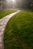 Un camino en hierba Imagenes de archivo