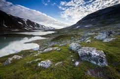 Un camino hermoso de la montaña en Noruega Foto de archivo libre de regalías