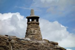 Un camino sull'i Pirenei copre la costruzione, il giorno esteriore Immagine Stock Libera da Diritti