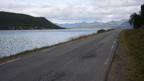 Un camino a través de Noruega Foto de archivo libre de regalías