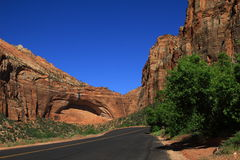 Un camino a Zion National Park, los E.E.U.U. Fotos de archivo libres de regalías
