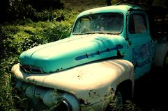 Un camion abandonné Photographie stock
