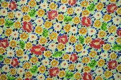 Un campione del tessuto: modelli e multicolore floreali Fotografia Stock Libera da Diritti