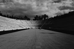 Un campo de deportes vacío imagenes de archivo
