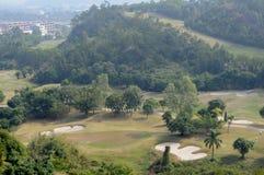 Un campo de golf en montaña Foto de archivo