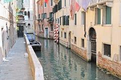 Un canal à Venise Photographie stock libre de droits