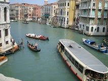 Un canal en Venecia Foto de archivo