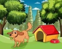 Un cane che gioca fuori di una casa di cane royalty illustrazione gratis