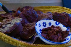 Un canestro del cioccolato del Ra immagini stock
