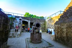 Un canon antique de fer au secteur intra-muros colonial espagnol à Manille, Philippines Images libres de droits