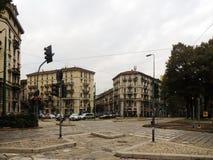 Un carrefour à Milan Image libre de droits