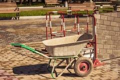 Un carretto nel parco immagine stock