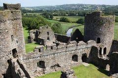 Un castillo Galés en Kidwelly Fotos de archivo libres de regalías