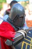 Un cavaliere medievale prima della battaglia Ritratto Fotografia Stock Libera da Diritti