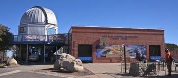 Un centro di Kitt Peak National Observatory Visitor Immagine Stock