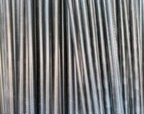 Un certain nombre de tiges en acier filetées Images libres de droits