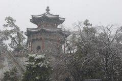 Un château dans la neige photographie stock