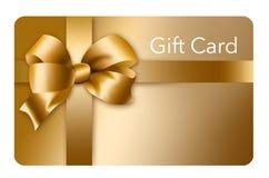 Un chèque-cadeau d'or avec un arc et un ruban d'or est décrit ici d'isolement sur le fond illustration de vecteur