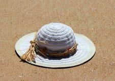 Un chapeau blanc Photographie stock