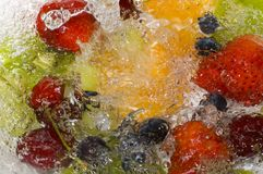 Un chapoteo de la fruta Fotos de archivo libres de regalías