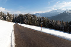 Un chemin dans la neige Images libres de droits