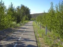 Un chemin de bicyclette dans la ville de Kyzyl en la Touva Photographie stock