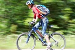 Un ciclista más rápido Imagen de archivo libre de regalías