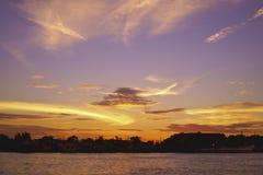 Un cielo con la nuvola Fotografia Stock Libera da Diritti