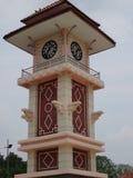 Un cierre de la torre de reloj para arriba en Kluang foto de archivo libre de regalías